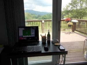 051615 New desk view