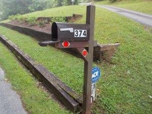 060615 Mailbox open