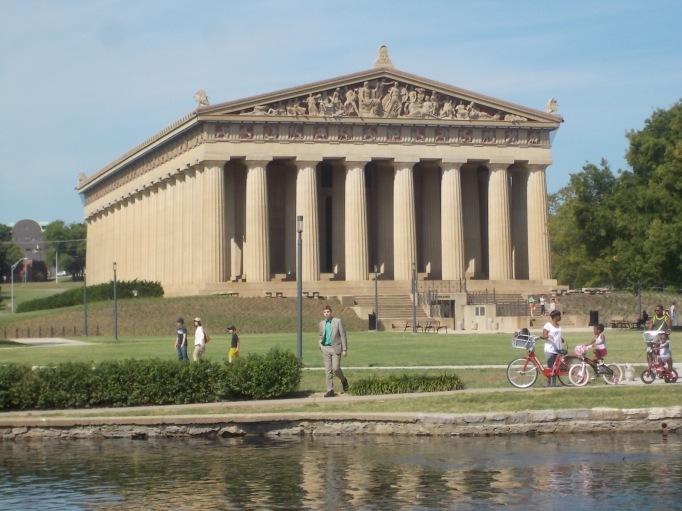 080915 N in green at Parthenon in Nashville