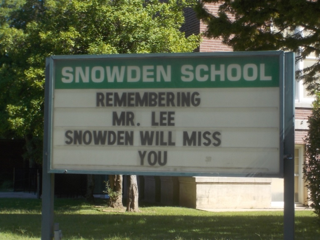 091415 (1) Sign at Snowden School