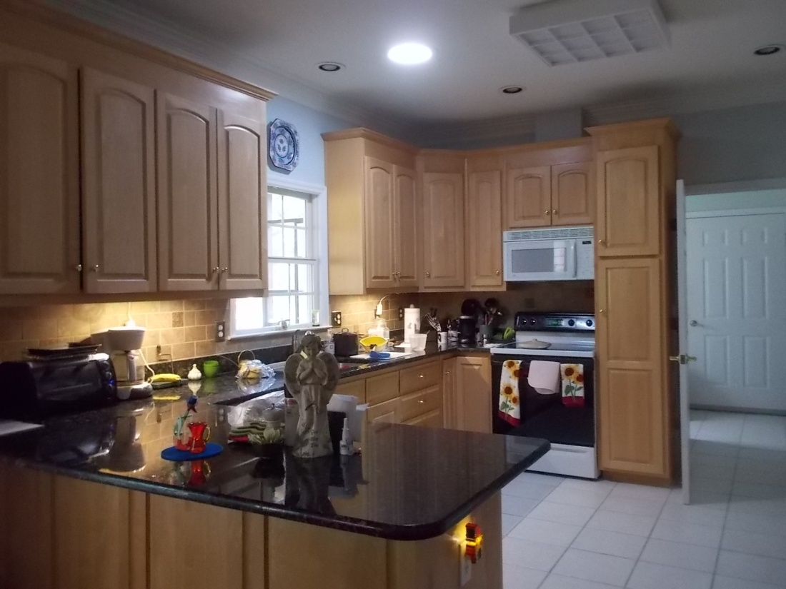 051616 Kitchen with solar tube.JPG