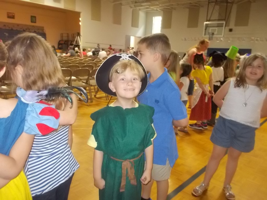 052716 Pirate Logan posing before program.JPG
