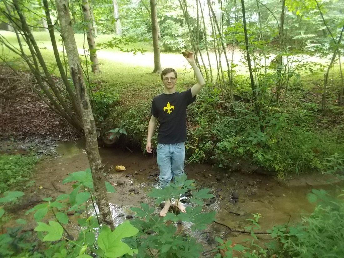 061516 D finds a rock.JPG