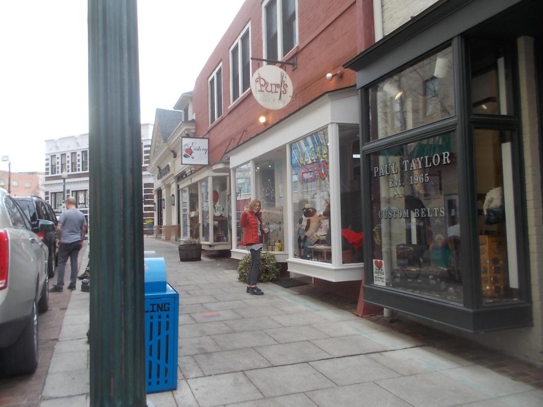 011317 Karen and the yarn shop.JPG