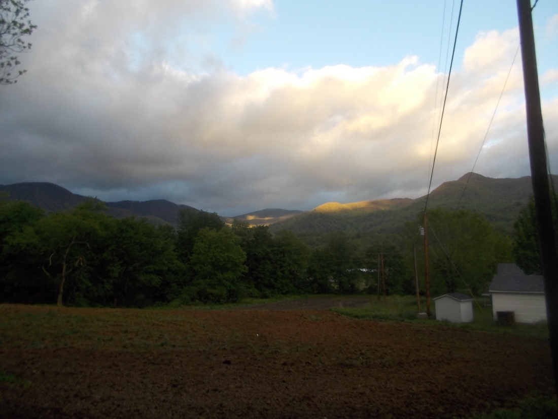 050517 Mountains from valley.jpg