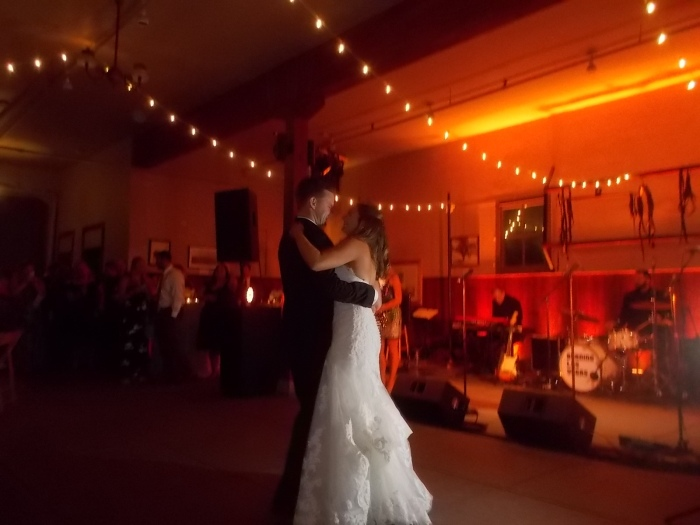 091017 7 Wed Bride and groom dance.JPG
