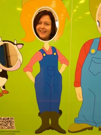 112717 Lise at farmers' market 1