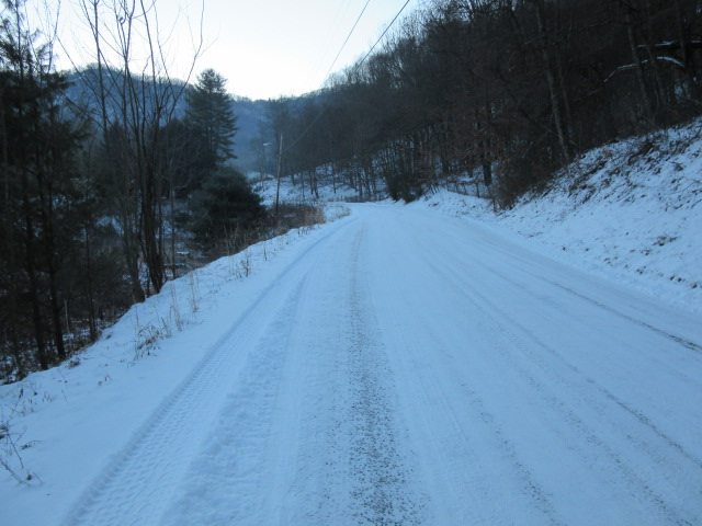 011918 Road at 14 degrees F.JPG