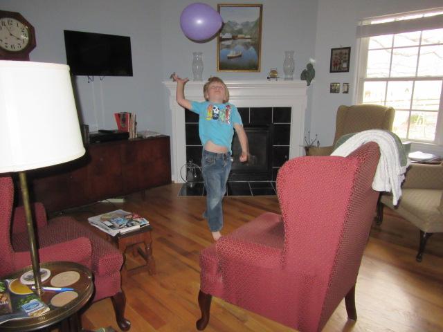 032118 Logan plays volley balloon (1)