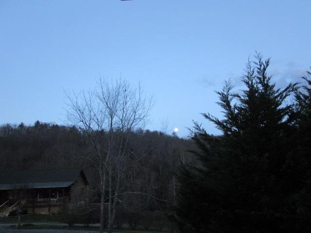 040118 Easter moon set.JPG