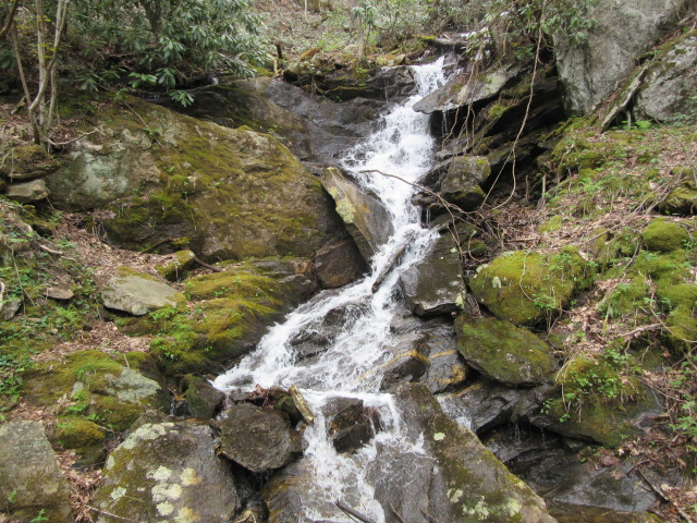050518 Little waterfall.JPG