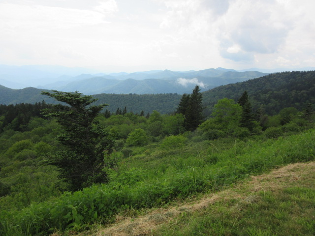 060918 Mountains from Blue Ridge Parkway.jpg