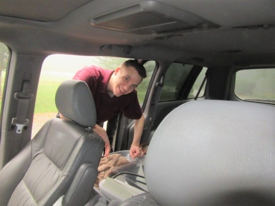 082718 Nate packs car for college