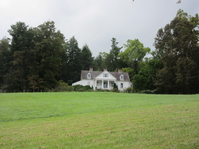 100818 Distant view of Sandburg home.JPG