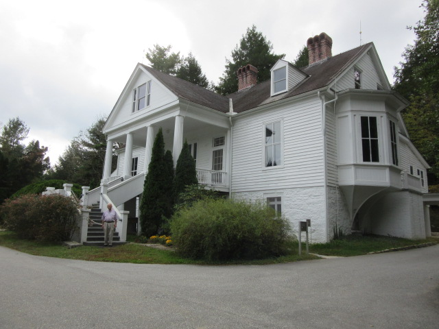 100818 John at Carl Sandburg's home.JPG