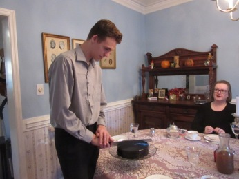 112218 12 Nate cuts his cake