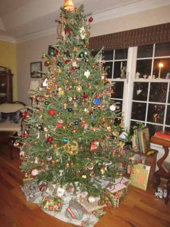122418 Christmas tree with flash