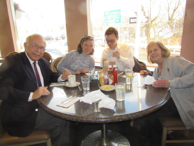 033119 JC Kate David Ruth at diner in Queens.JPG
